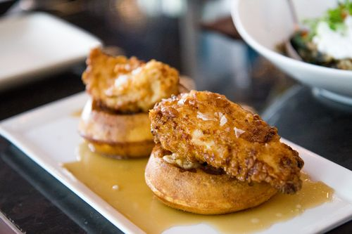 Sable-chicken-and-waffles