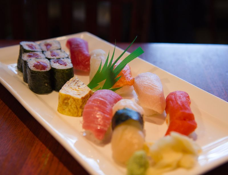 Sakura-bana-sushi