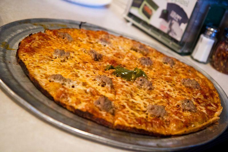 Colony-grill-pizza2