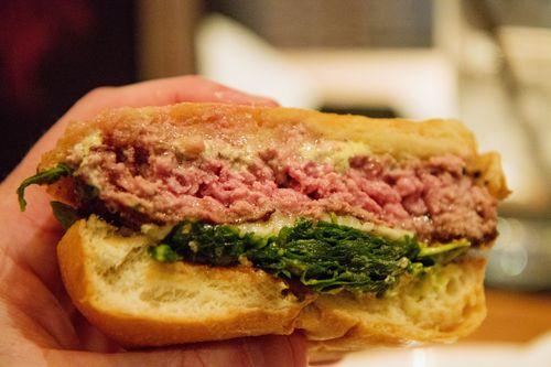 Holsteins burger2
