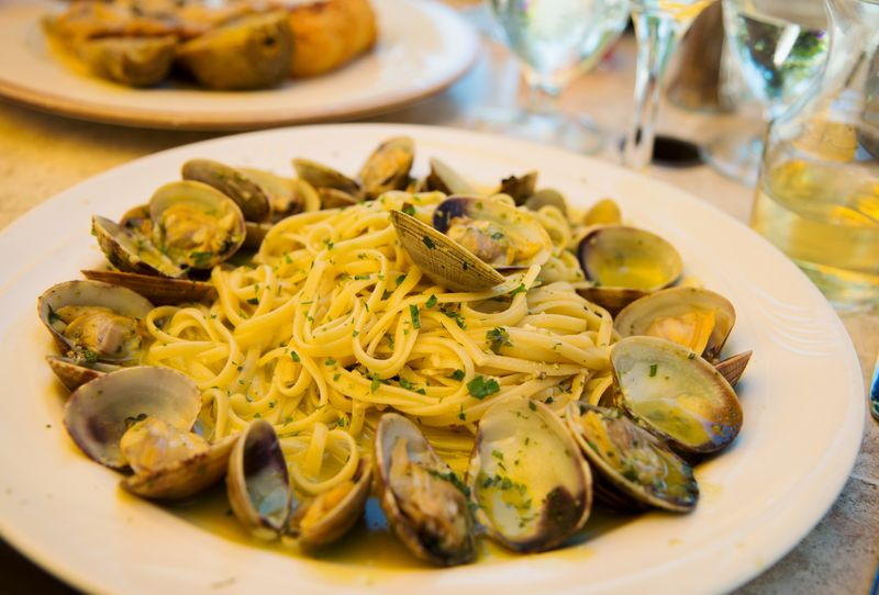Confetti clams linguini