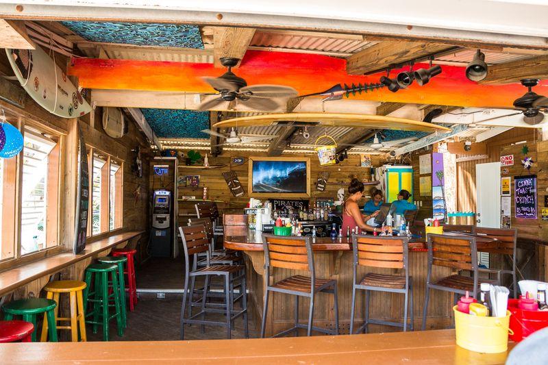 Kahuna burger bar rincon interior bar