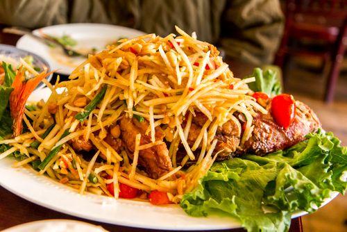 Whole fried fish