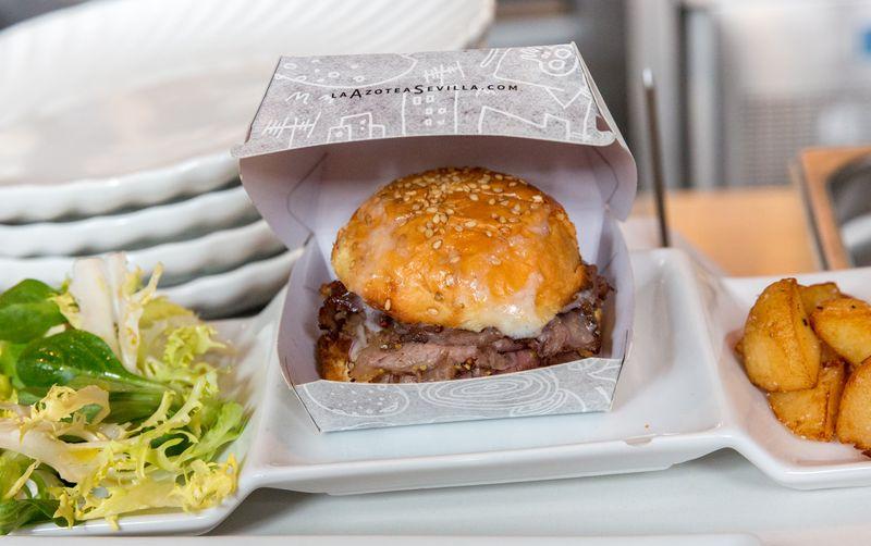 Sevilla la azotea roast beef burger