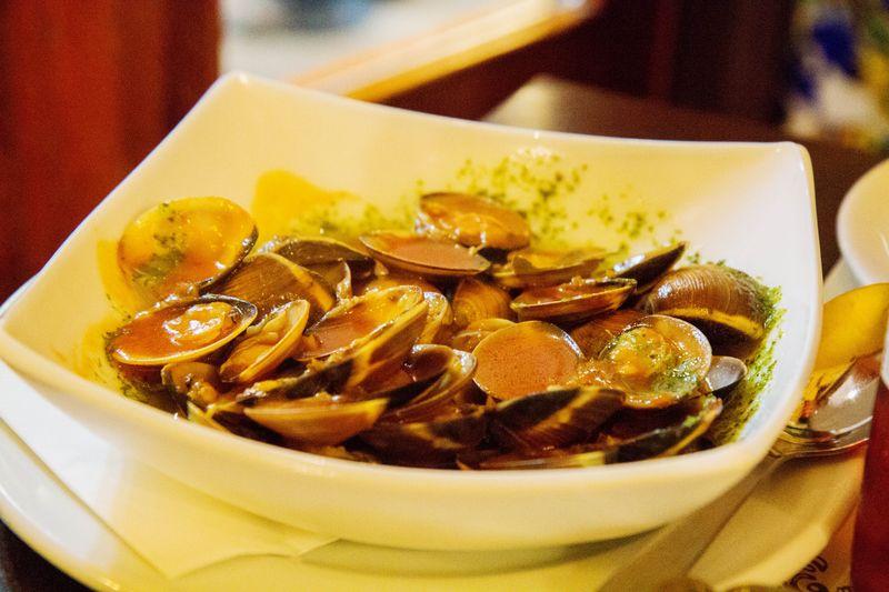 Los Toreros clams