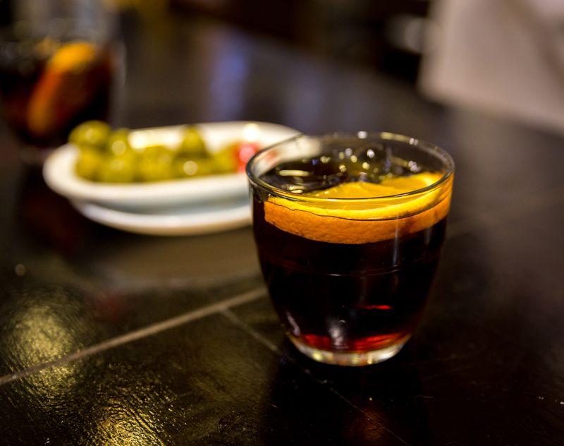 Sevilla bar comericio vermut