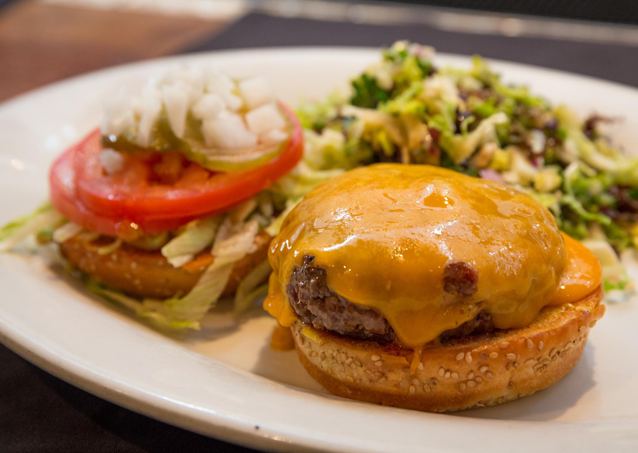 Nick's Laguna cheeseburger