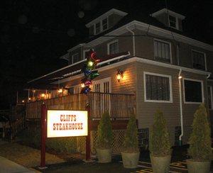 Cliffs_steakhouse